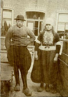 marken,jong stel by janwillemsen, via Flickr #NoordHolland #Marken