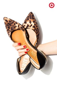 Could these red Essie nails and leopard print flats be any more fun? Slip them…
