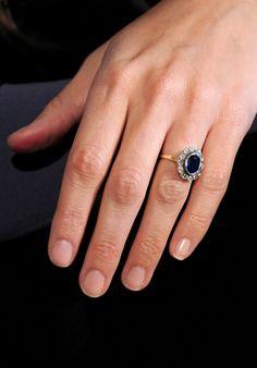 Nontraditional Celebrity Engagement Rings | Penelope Cruz's vintage three-carat sapphire ring