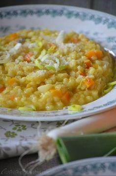 Risotto d'orge perlé aux poireaux et au safran Vegetables, Food, Barley Risotto, Pearl Barley, Cheer Snacks, Dish, Recipes, Veggies, Veggie Food
