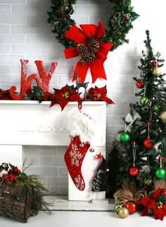 Red and Green Christmas Backdrop by Terri Leva Photography. Order online at http://www.backdropscanada.ca