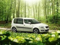 ŠKODA Roomster GreenLine Design. Love this green. www.skoda-auto.pt