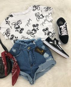 Summer outfits and cute outfits. Cute Disney Outfits, Disneyland Outfits, Komplette Outfits, Teen Fashion Outfits, Cute Summer Outfits, Cute Casual Outfits, Outfits For Teens, Stylish Outfits, School Outfits