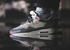 Nike Air Max 1 LCD Pack - Chino/Flamingo Pink - 2007 (by eskalizer187)