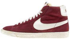 Sneaker di ispirazione basket, le Nike Blazer Mid Vintage sono un classico Nike totalmente rinnovato in stile vintage! Tomaia in pelle con logo in pelle su entrambi i lati. Lettering sul retro. Suola in gomma vulcanizzata.    Prezzo: 100,00€    SHOP ONLINE: http://www.aw-lab.com/shop/new-now/nike-blazer-mid-suede-vintage-8035415