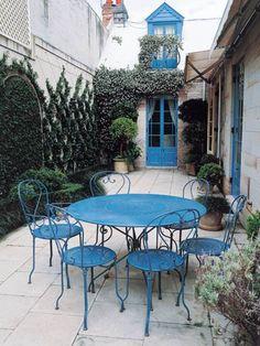 I like how the blue exterior splash matches the patio set Back Gardens, Small Gardens, Outdoor Gardens, Porches, Outdoor Rooms, Outdoor Living, Outdoor Decor, Outside Living, Plein Air