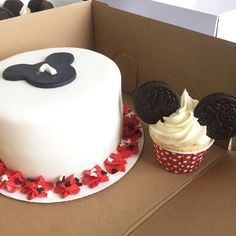 Mickey Mouse cake and cupcake! Mickey Mouse Clubhouse 1st Birthday!