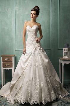 Schnürrücken Tüll Satin Herz-Ausschnitt Spitze aufgeblähtes bodenlanges Brautkleider