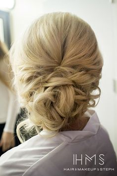 Romantic wedding hair