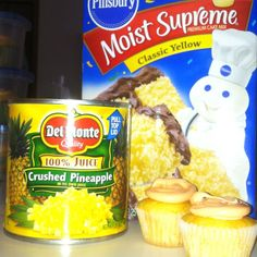 67 Ideas for cake mix cupcakes crushed pineapple Cake Mix Cupcakes, Cake Mix Desserts, Summer Cupcakes, Box Cake Mix, Cupcake Recipes, Cupcake Cakes, Snack Recipes, Dessert Recipes, Desert Recipes