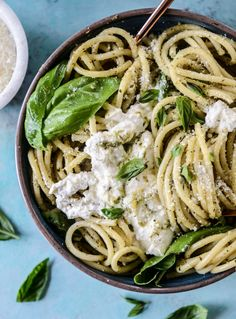 pesto pasta with burrata I howsweeteats.com