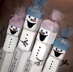 Wooden Snowman Family - Rustic Christmas Decor
