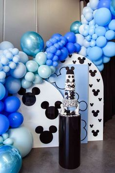 Don't miss this gorgeous Mickey Mouse birthday party! Love the balloon decorations! See more party ideas and share yours at CatchMyParty.com Mickey Mouse Photos, Mickey Mouse Cake, Mickey Mouse Parties, Mickey Party, Mickey Mouse Birthday, Dessert Table Backdrop, Dessert Tables, Bridal Shower Cakes, Gorgeous Cakes