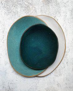 About the greens - teal organic ceramic pottery plates - eyecandy - Organic Ceramics, Modern Ceramics, Contemporary Ceramics, Pottery Plates, Ceramic Plates, Ceramic Pottery, Stoneware Dinnerware, Blue Dinnerware, Keramik Design