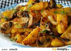 Brambory pečené s cibulí a žampiony recept - TopRecepty. Best Lunch Recipes, Easy Healthy Recipes, Cooking For One, Easy Cooking, Cooking Ham, Cooking Turkey, Potato Recipes, Vegetable Recipes, Cottage Meals