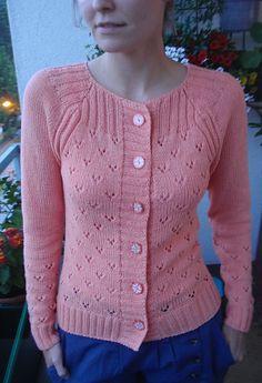 Woolen Sweater Design, Cardigan Design, Ladies Cardigan Knitting Patterns, Knit Cardigan Pattern, Woolen Tops, Hand Knitted Sweaters, Wool Sweaters, Bolero, Knit Fashion