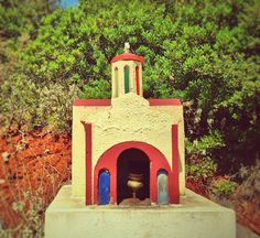 Miniature Roadside Chapels of Greece Warrior Girl, Terracotta, Greece, Around The Worlds, Miniatures, In This Moment, Architecture, Outdoor Decor, Clever