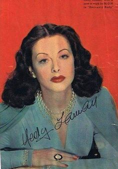 Hedy Lamarr in color Hollywood Stars, Classic Hollywood, Hedy Lamarr, Big Shoulders, Rita Hayworth, Female Stars, Most Beautiful Women, Art Pictures, Glamour