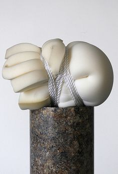 Sponge tied with rope. What becomes of the tied body and those who are restrained in moments of distress. This piece brings forth these questions and themes the thesis aims to explore. Soft Sculpture, Abstract Sculpture, Composition Photo, Textiles, Steinmetz, Art Japonais, A Level Art, Natural Forms, Textile Artists