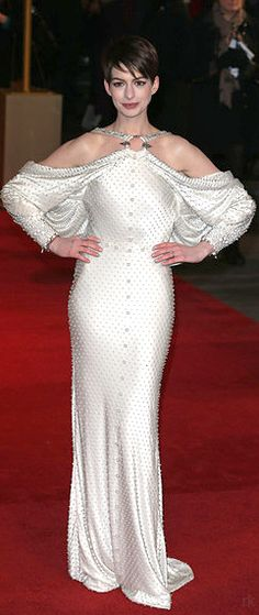 Ann Hathaway - Givenchy Couture