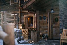 Die Bilder von der Sporer Alm erzählen genau das, was Sie vor Ort erwartet. Pure Schönheit und Luxus auf 1.200 Höhenmetern inmitten der faszinierenden Zillertaler Bergwelt. Die Sporer Alm besteht aus 3 separaten Hütten (Chalets).