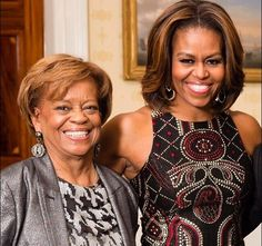 YAAASSS MICHELLE'S HAIR!!!! MAMA STAYS SLAYING pic.twitter.com/QxnZGPaGh3
