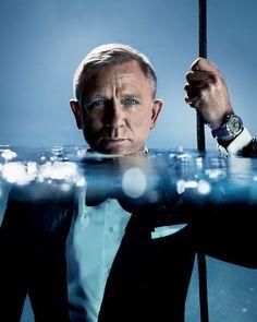 James Bond 007 Daniel Craig und seine Omega Diver 300 M Daniel Craig James Bond, Daniel Craig Style, James Bond 25, Rachel Weisz, Omega Seamaster Diver, Omega Diver, Daniel Graig, Gentleman, Best Bond