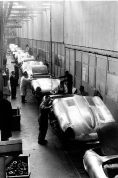 Jaguar E-TYPE  Production Line