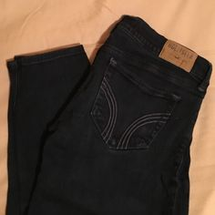 Hollister Super Skinny Dark Wash Jeans 3S Hollister skinny stretch jeans size 3 SHORT. in good condition, no stains or tears. very dark in color! Hollister Jeans Skinny