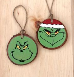 Wood Carving Christmas Ornament 36 Ideas For 2019 - Wood slice crafts -Craft Wood Carving Christmas Ornament 36 Ideas For 2019 - Wood slice crafts - The Grinch How The Grinch Stole Christmas ornament Painted Christmas Ornaments, Christmas Door Decorations, Christmas Ornament Crafts, Wood Ornaments, Holiday Crafts, Christmas Diy, Christmas Gift Craft Ideas, Wooden Christmas Crafts, Beach Christmas