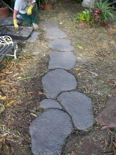 Freeform Stepping Stones DIY - TaDeGe Pond And Water Garden - sounds so simple I've GOT to try it!