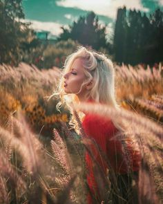 Field Of Dreams, Natural Light Photography, Portrait Inspiration, Low Lights, Portrait Photographers, Portraits, Bokeh, Pretty Girls, Photoshoot