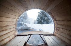 Spa et sauna extérieurs Bed And Breakfast, Sauna Hammam, Indoor Pools, Spa Design, Saunas, Plane, Bliss, Basement, Hotels