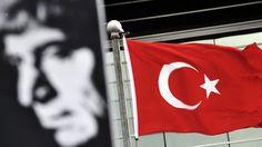 La justicia turca estudia la acusación contra 26 sospechosos en el caso del asesinato del periodista turco-armenio Hrant Dink,