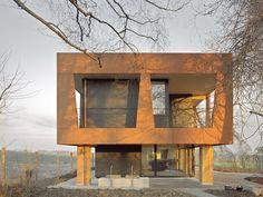 Staufer & Hasler Architekten AG-Sommerhaus auf dem Seerücken