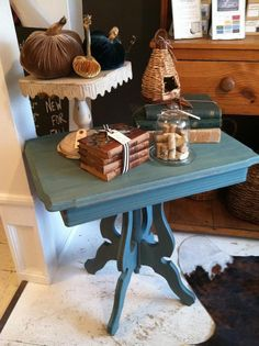 Lovely little side table ~ Miss Mustard Seed's Milk Paint in Kitchen Scale!
