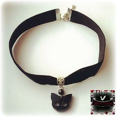 Cute cat choker (16 CAD) ❤ liked on Polyvore featuring jewelry, necklaces, beading necklaces, bead jewellery, gothic choker necklace, beaded choker necklace and goth choker