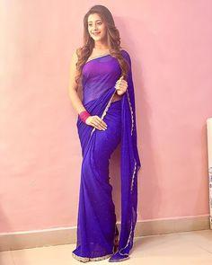 Image may contain: 1 person, standing Stylish Girl Images, Stylish Girl Pic, Indian Attire, Indian Outfits, Saree Poses, Modern Saree, Sari Blouse Designs, Stylish Sarees, Saree Look