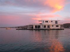 Nirvana Houseboat is a romantic weekend getaway in West Coast National Park. Referred to as The Jewel of the West Coast, one could not wi.