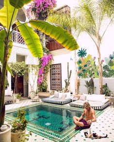 34 Beautiful Morrocan Patio Design Ideas - Usually, patio styles are designed around the existing house and also the terrain. Consideration should be given to other outdoor living areas surroun. Le Riad, Riad Marrakech, Turquoise Home Decor, Turquoise Room, Patio Design, Exterior Design, House Design, Design Room, Outdoor Spaces