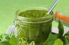 Porque molhos para saladas são muito melhores se feitos em casa :D No link, você aprende como fazer 6 receitinhas deliciosas!