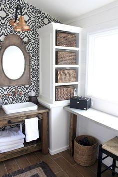 Gorgeous 100 Best Modern Farmhouse Bathroom Decor Ideas https://decorapatio.com/2018/02/22/100-best-modern-farmhouse-bathroom-decor-ideas/ #modernbathrooms