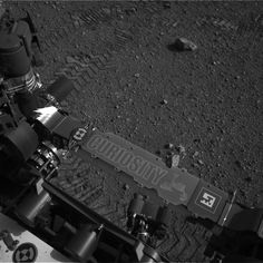 Curiosity Name and first tracks on Mars...