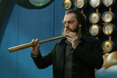 Tom, Hester, Fang and Valentine images released from Mortal Engines Hugo Weaving, Mortal Engines Book, Steampunk Movies, World News Today, Jackson, Valentine Images, Latest Breaking News, News Latest, Death Star