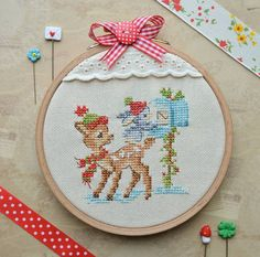 Xmas Cross Stitch, Cross Stitching, Cross Stitch Patterns, Christmas Cross, Creations, Kids Rugs, Nice Ideas, Embroidery, Ornaments