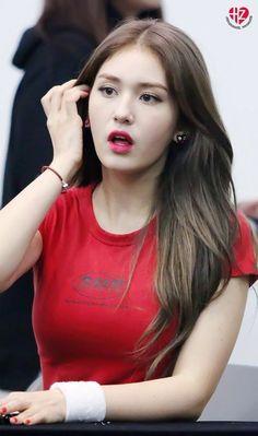 Latest KPop News for all KPop fans! Jeon so mi Jeon Somi, Korean Beauty, Asian Beauty, Asian Woman, Asian Girl, Jung Chaeyeon, Beauty Full Girl, Kpop Fashion, Ulzzang Girl