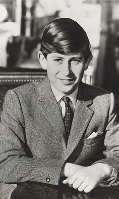 charles prince of wales real photo royalty famous people Prinz Philip, Prinz Charles, Prinz William, Young Prince, Prince Harry, Lady Diana, Die Royals, British Monarchy History, Prince Charles