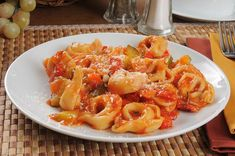 Slow cooker cheese tortellini with Italian sausage Sausage Pasta Sauce, Sausage Crockpot, Cheese Sauce For Pasta, Sausage Spaghetti, Cheese Tortellini, Macaroni And Cheese, Best Slow Cooker, Slow Cooker Recipes, Crockpot Recipes