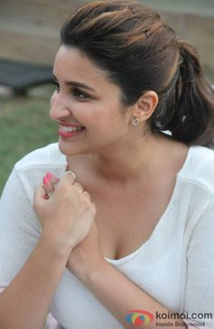Parineeti Chopra photos gallery with her latest images and stills. One of the hottest actress of bollywood. Bollywood Actress Hot Photos, Indian Bollywood Actress, Indian Actress Hot Pics, Bollywood Girls, Beautiful Bollywood Actress, Bollywood Celebrities, Beautiful Actresses, Beautiful Girl Indian, Most Beautiful Indian Actress