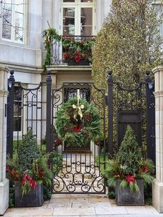 34 classic and vintage outdoor christmas decorations ideas about ruth - Classic Outdoor Christmas Decorations